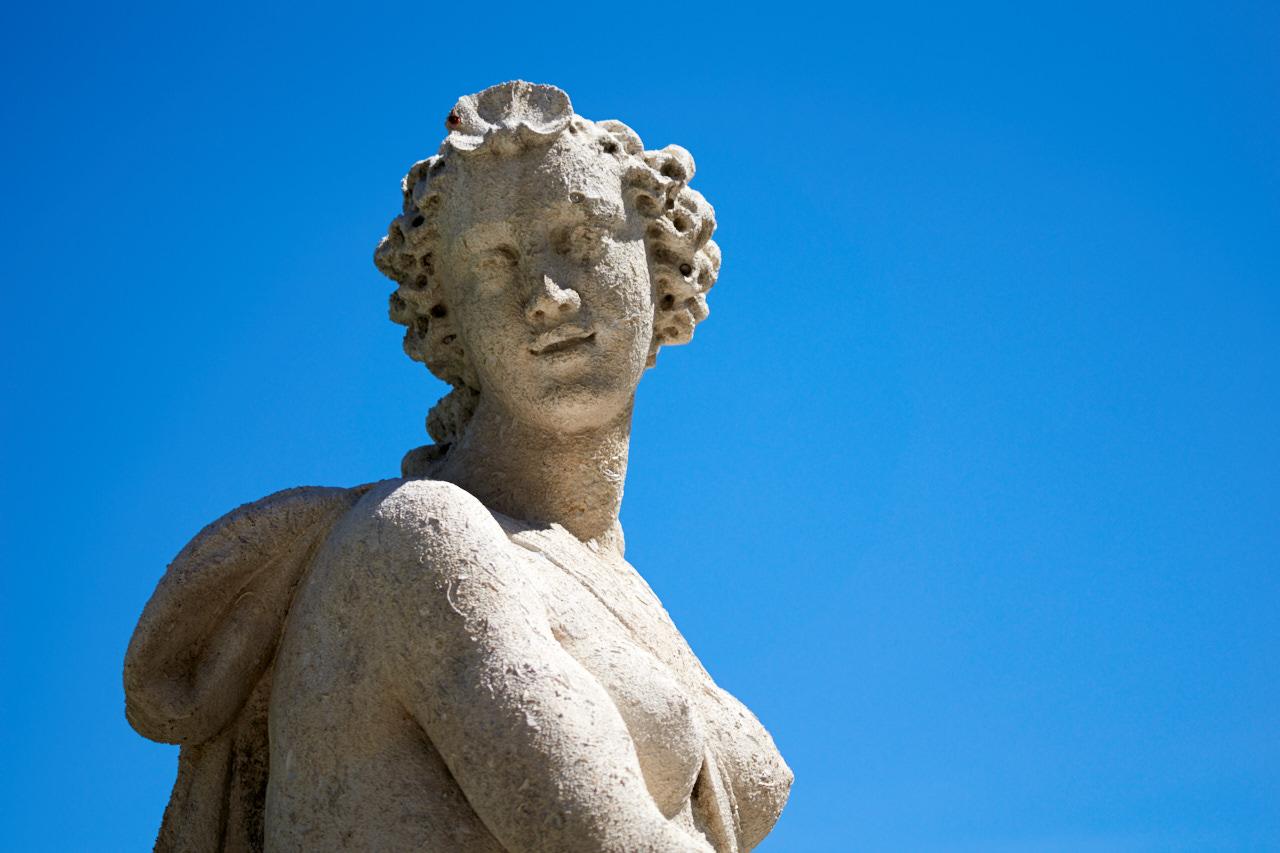 Statue in Villa Olmo